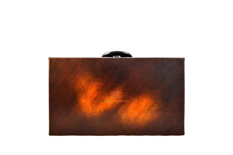 画像1: アクロモ ブラウン ボックス クラッチバッグ
