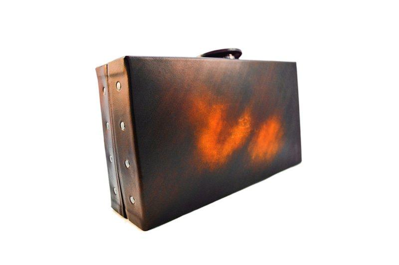 画像4: アクロモ ブラウン ボックス クラッチバッグ